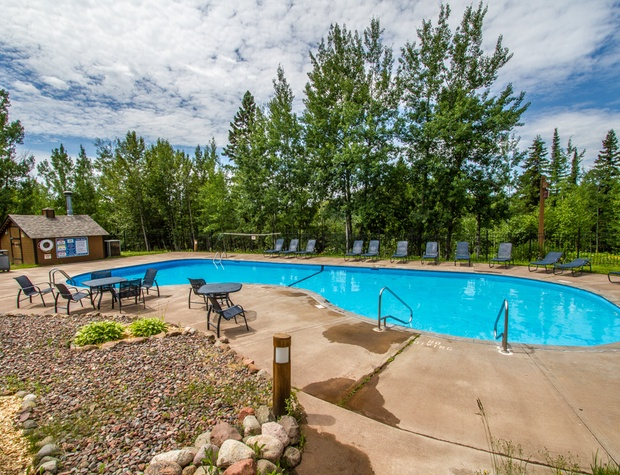 The outdoor heated pool is available to all Caribou Highlands guests.