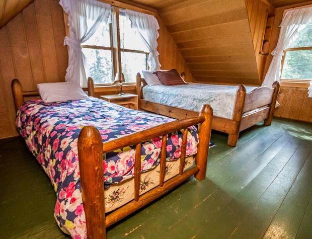 Deer Creek-5-Bedroom3-1.jpg