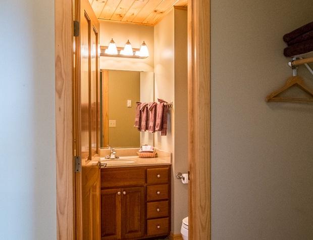 Cobblestone10-5-Bathroom2-1.jpg