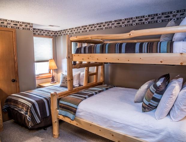 CH 518-4-Bedroom3-1.jpg
