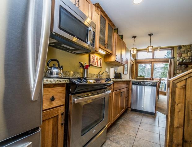 CH542-3-Kitchen3.jpg