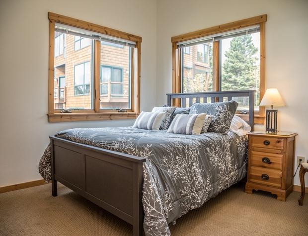 Aspenwood 6536-4-Bedroom3-1.jpg