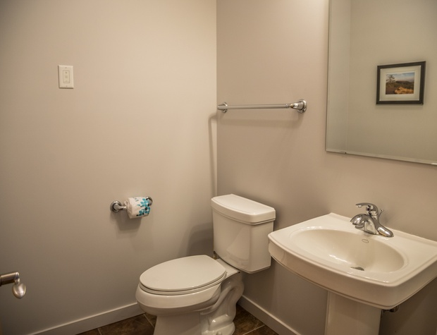 Aspenwood6548-5-Bathroom1-1.jpg