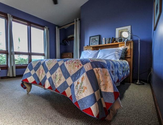 Hwy61-5-Bedroom2-1.JPG