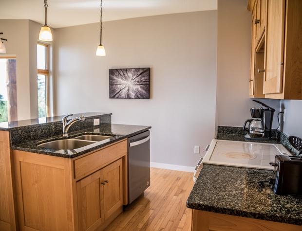 Aspenwood6540-3-Kitchen1.jpg
