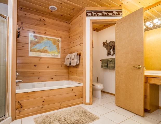 BayBreeze-4-Bedroom1-7.jpg
