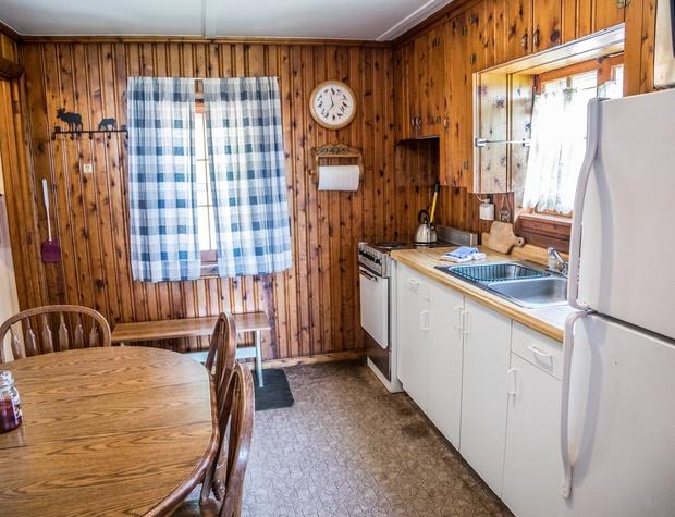 14-3-Kitchen2.jpg