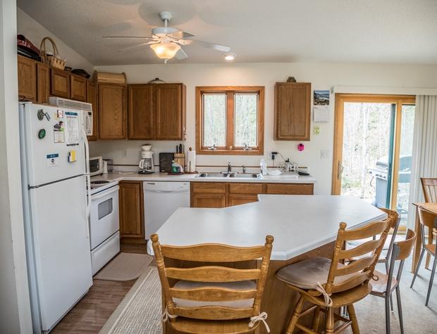 Maple Haven-3-Kitchen1.jpg