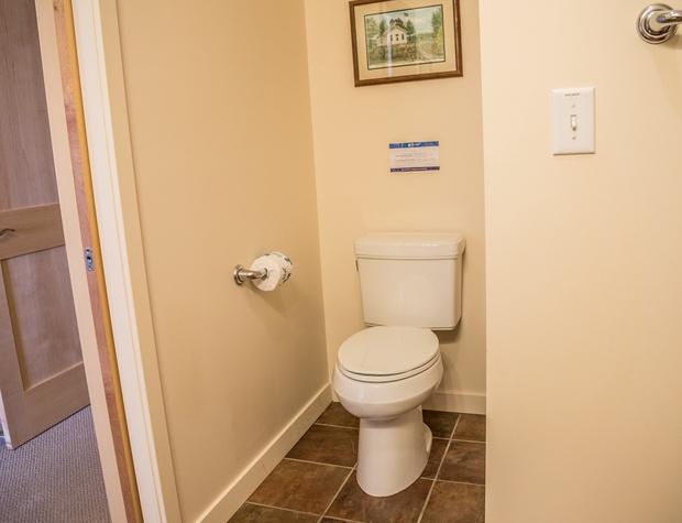 Aspenwood6544-4-Bedroom2-5.jpg