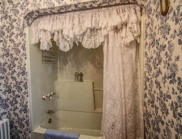 SuperiorOverlook-7-Bathroom2-2.jpg