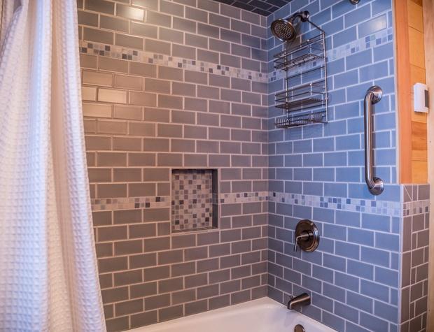 GM House of Light-5-Bathroom2.jpg
