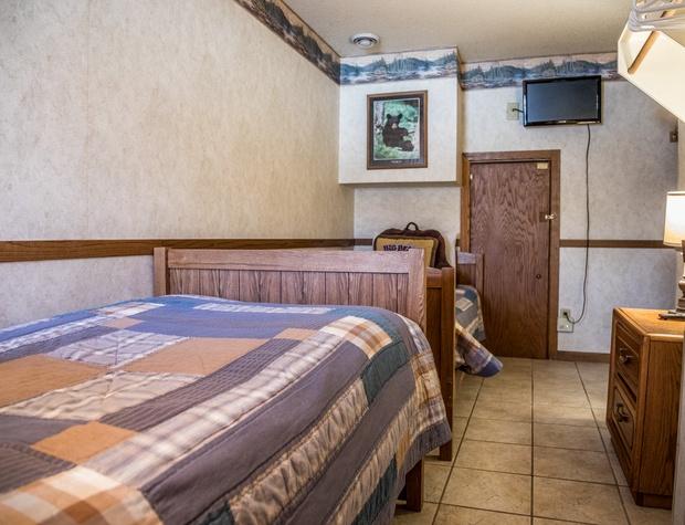 CH 511-4-Bedroom3-2.jpg