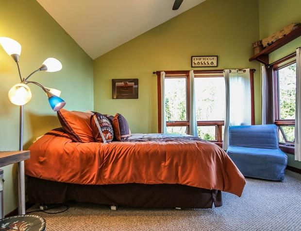 Hwy61-5-Bedroom1-2.JPG