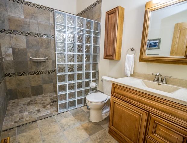 Roundhouse-6-Bathroom1.jpg