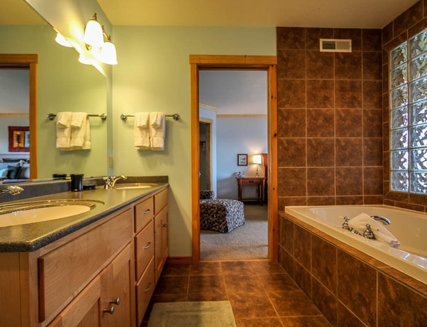 Aspenwood6526-5-Bathroom-1.JPG