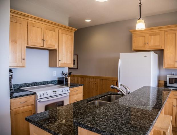Aspenwood6540-3-Kitchen2.jpg