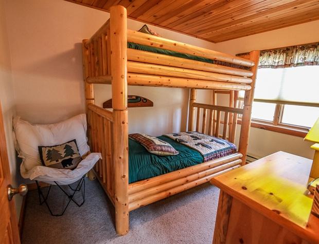 LogLodge42-4-Bedroom3-1.jpg
