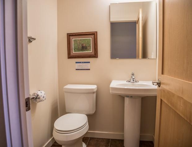 Aspenwood6544-5-Bathroom1.jpg