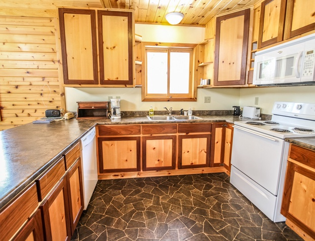 Poplar Creek Retreat-3-Kitchen3.jpg