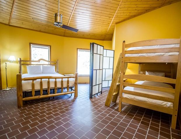 Roundhouse-5-Bedroom1-1.jpg