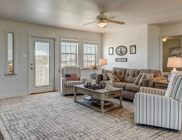 Saltiare Living Room Pet Friendly