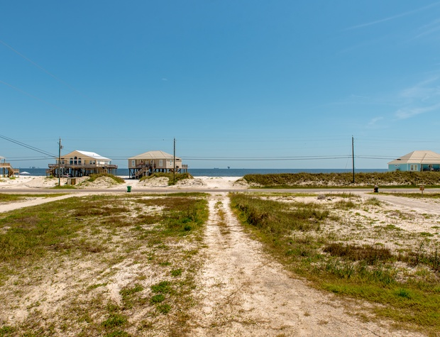 Short walk to the Gulf of Mexico Beach