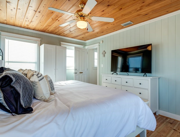 Master Bed Room Dauphin Island Vacation Home