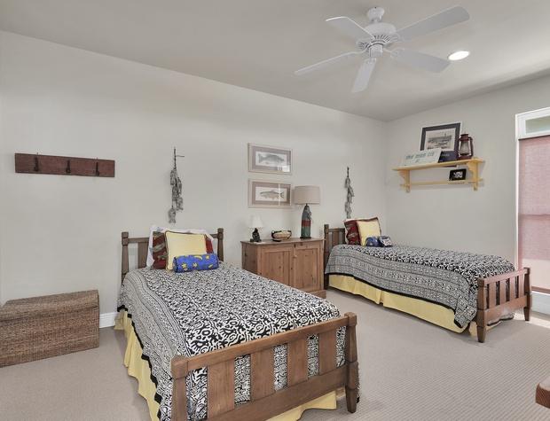 40 TraMarLis Bedroom 3.jpg