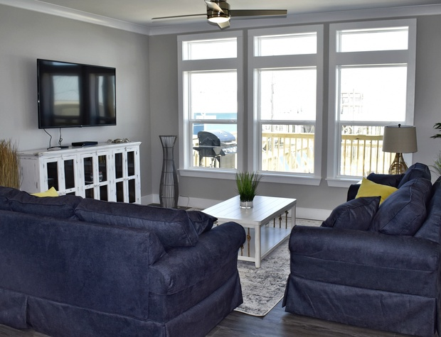 08 Island Time V Dauphin Island Living Room.jfif