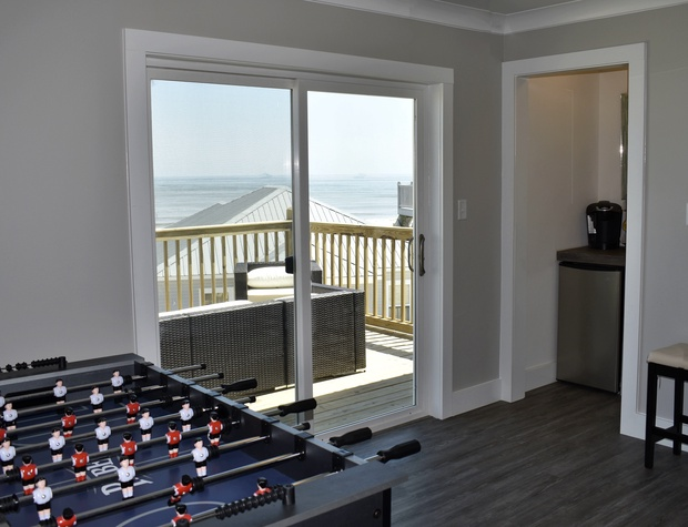31 Game Room fith Foosball, Keurig Wetbar, Fridge and Gulf-view balcony.jfif