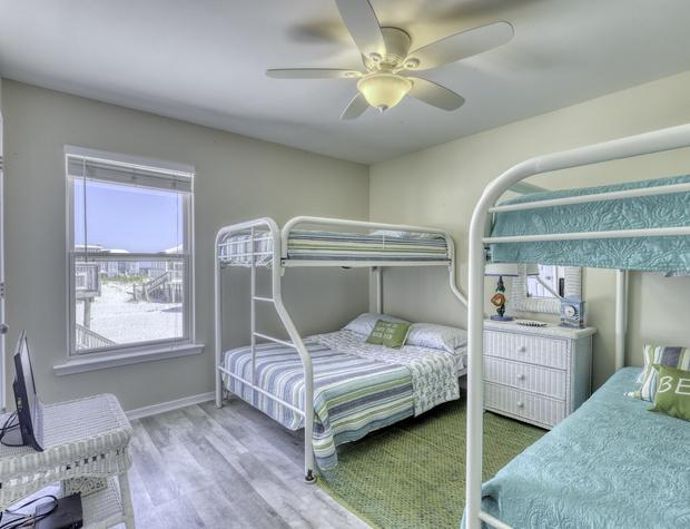 070 4th bedroom.jpeg