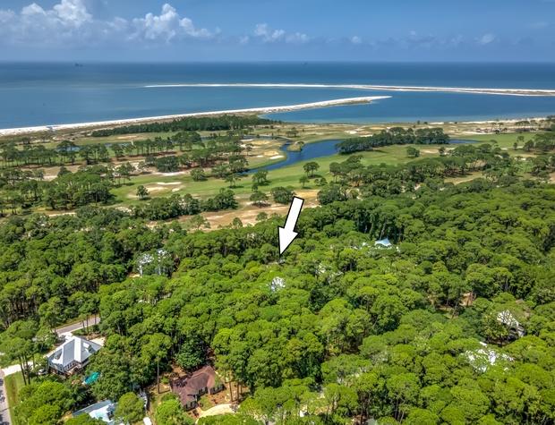 La Retraite Close Proximity to Golf and Water