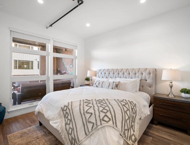 Master Bedroom with King Bed & Ensuite Bathroom