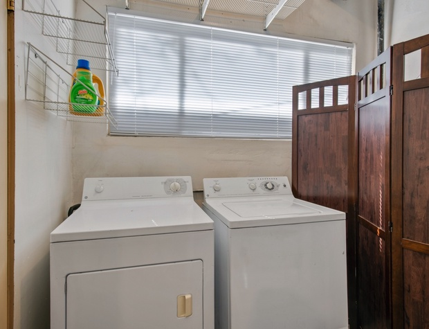 Washer & Dryer Access!