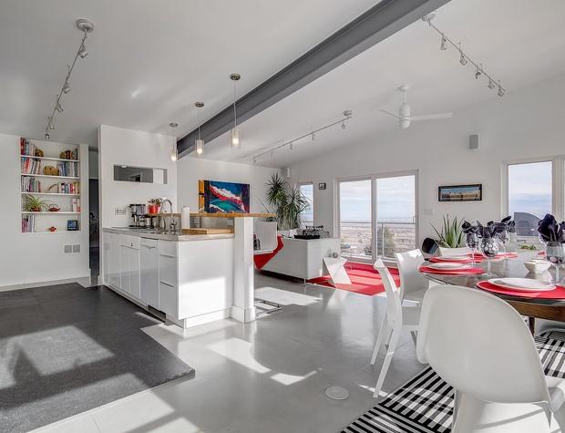 Kitchen & Upstairs Living Area