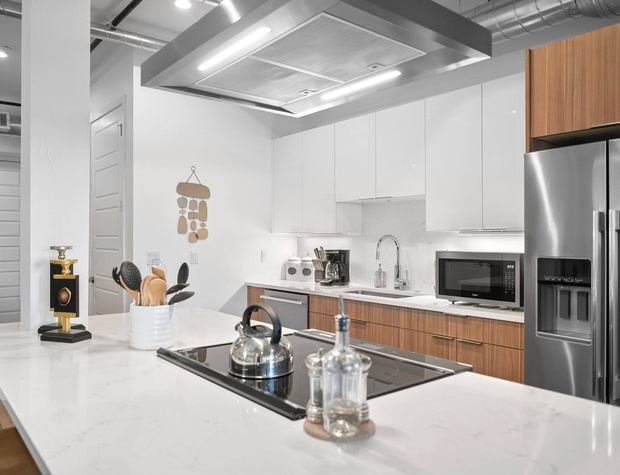 Kitchen with ALL Stainless Steel Appliances!!