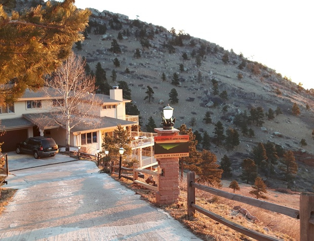 Driveway entry to Foothills Panorama
