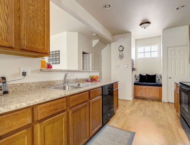 Double Sink and dishwasher
