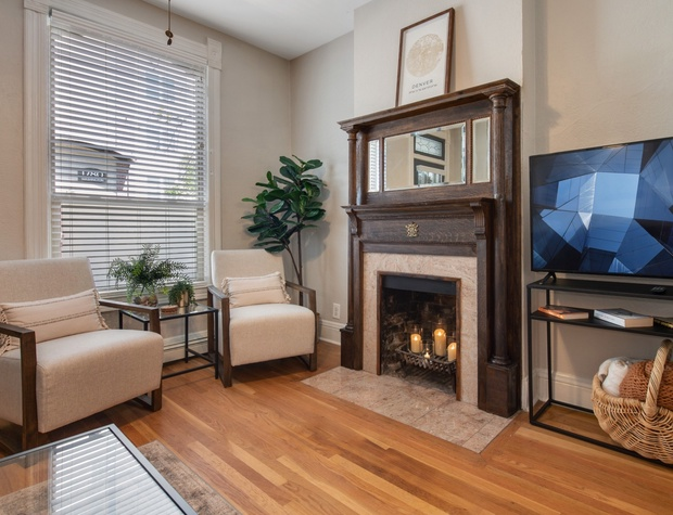 Living Room with Flatscreen TV (Fireplace is NOT operational)