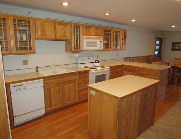 White Pine Kitchen1.jpg