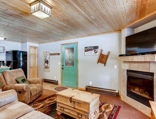 04 Creekside Suites 12.jpg