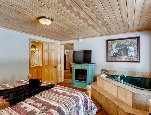 13 Creekside Suites 12.jpg