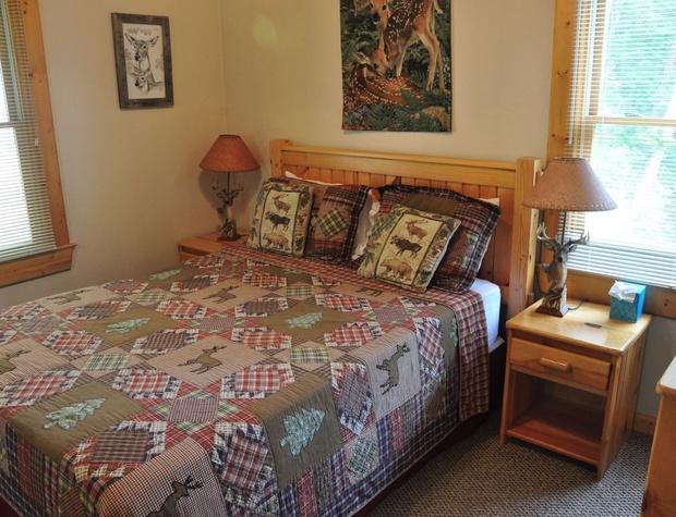 Cozy Queen Bedroom Upstairs