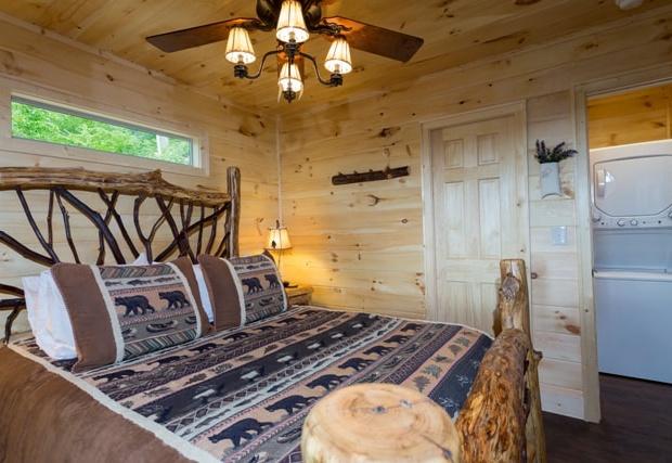 a-bedroom_orig.jpg