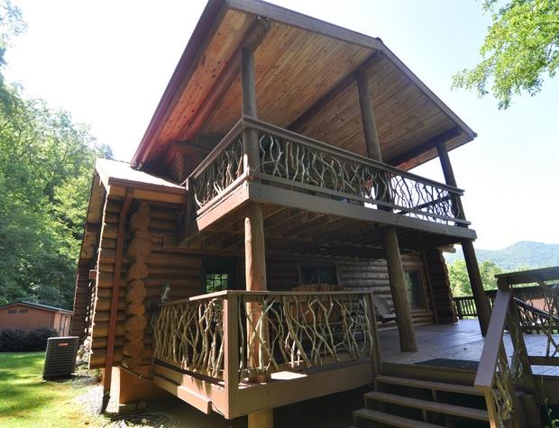 red-lantern-lodge (2).jpg