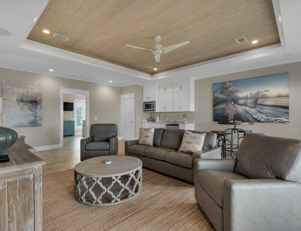 Lakeside Rendezvous | 2nd Floor Living Area