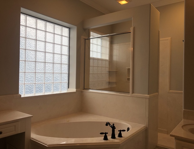 Casa del Sol | Master Bathroom with Jacuzzi and Walk-In Shower