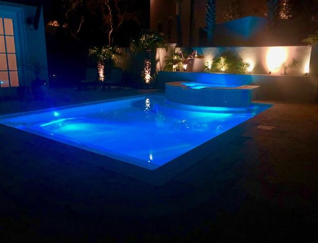Casa del Sueno | Pool and Spa at night