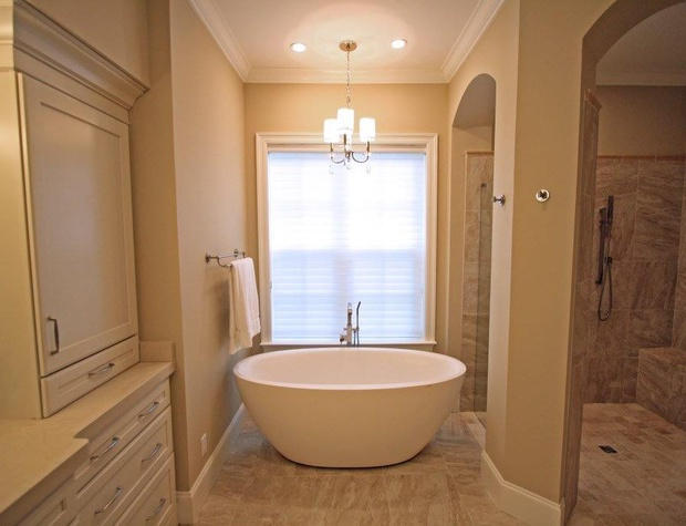 Casa del Sueno | Master Bathroom Soaker Tub