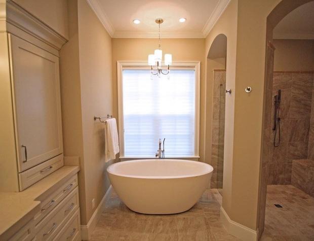 Casa del Sueno | Master Bathroom Soaker Tub